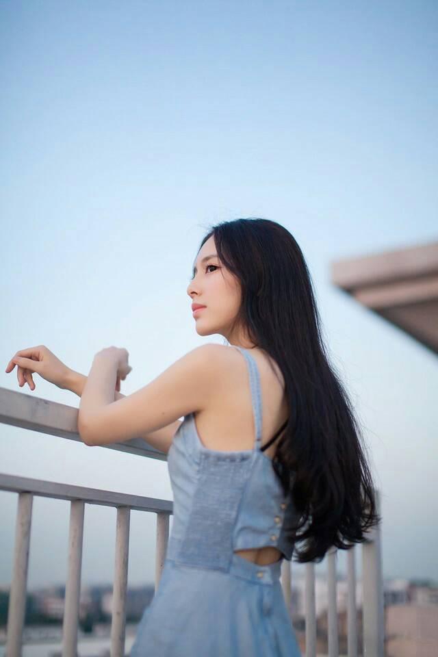 KBI-010甜美气质名媛淑女户外粉色内衣性感风情写真图片