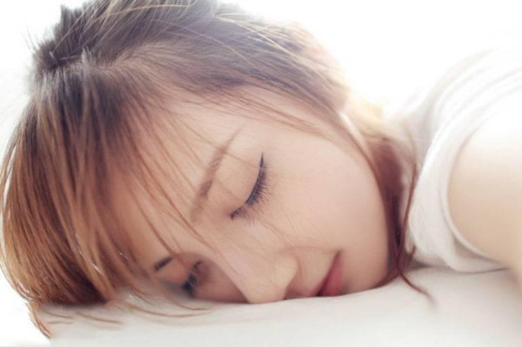 HAVD-829花花姑娘小野猫开叉礼裙抚媚妖娆姿势性感图片