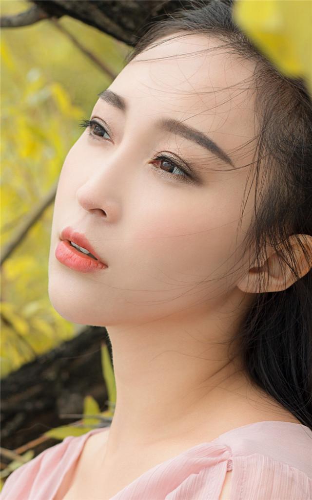 4MIDE-069白富美熟女脱肉丝美腿福利性感写真
