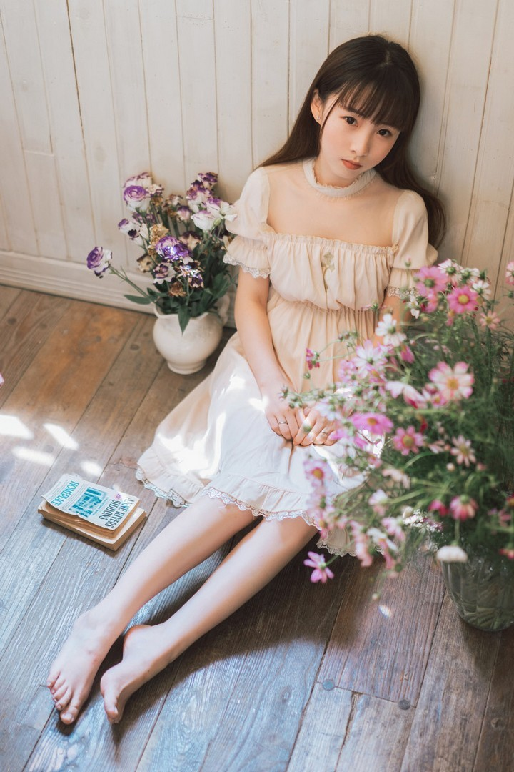 ASKY-001初见系列长腿美女