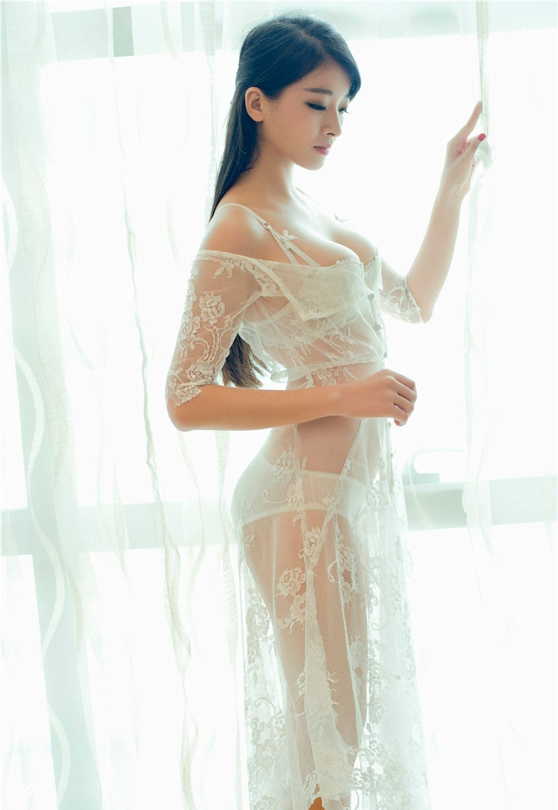 4MIA-668美女御姐的私房照豪放风骚粉嫩内衣性感写真