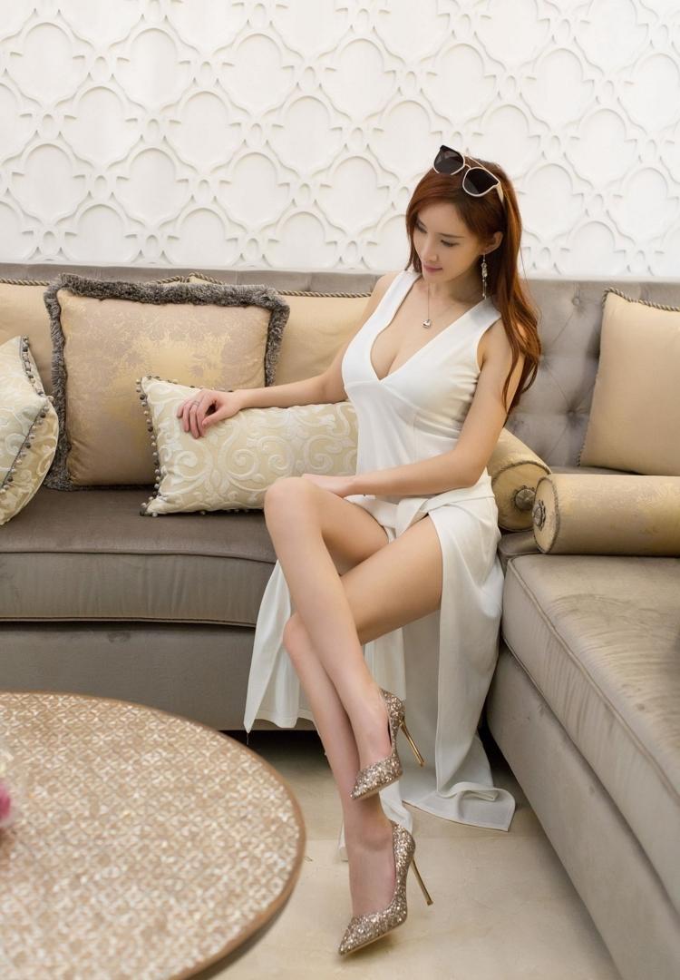 4IPZ-354火辣美女曼妙修长身材蕾丝内衣黑丝性感写真图片