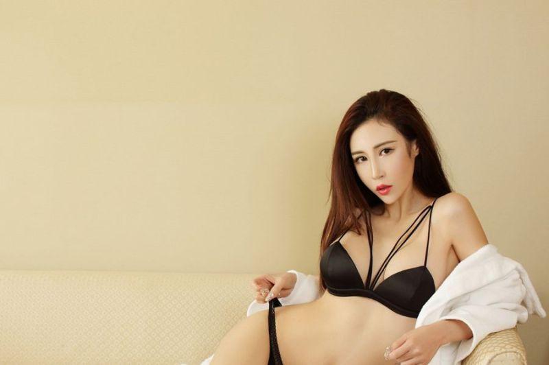 ATFB-229爆乳美女少妇性感粉嫩人体艺术写真