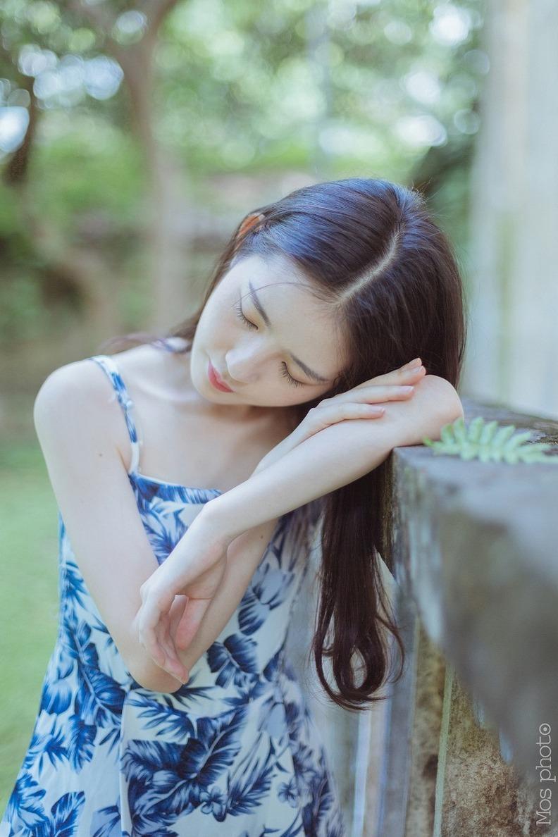 JUX-388尤果网性感小腰大胸纹身美女