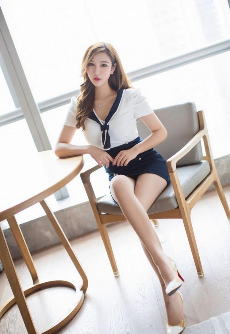 JUY-845女郎美艳诱惑 蕾丝黑裙秀身材