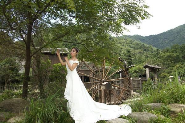 MIDE-300美女戴头纱白色连体裙裹胸