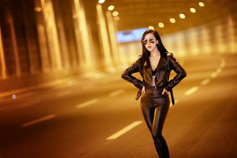 5IPT-565少女黑色魅惑性感照 长裙尽显身穿