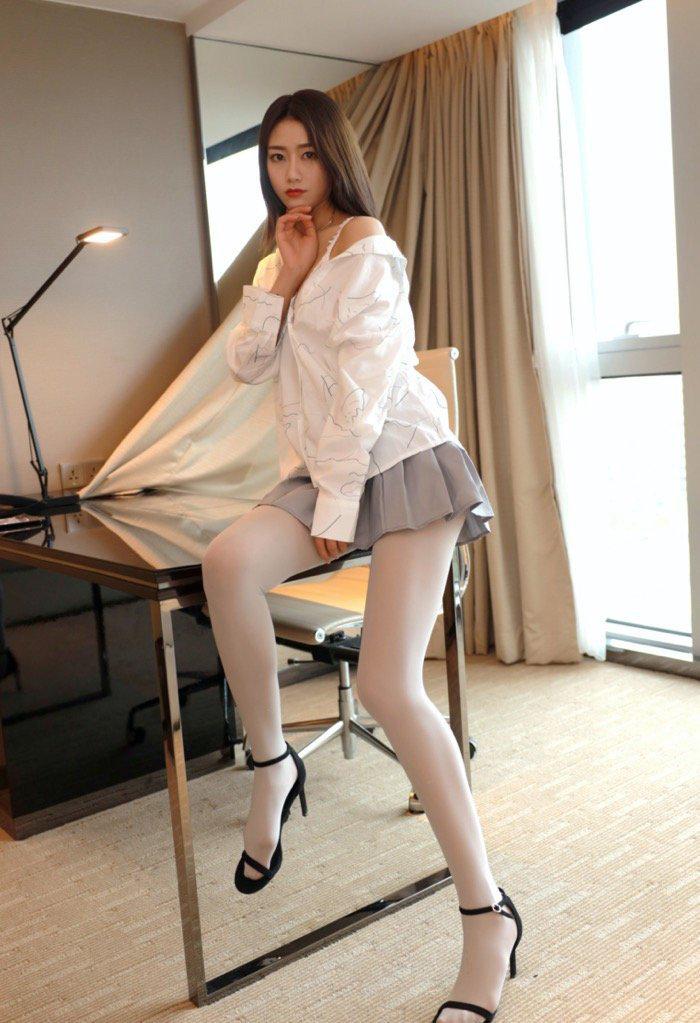亚洲国模私拍人体gogo永久adc年龄确认美女私密写真图片26p