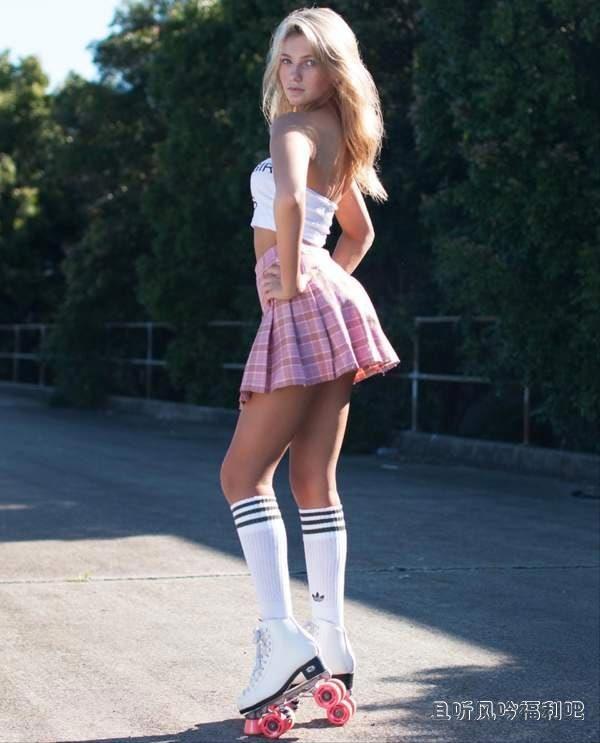 13岁的澳洲美少女嫩模 身材玲珑曲线毕现