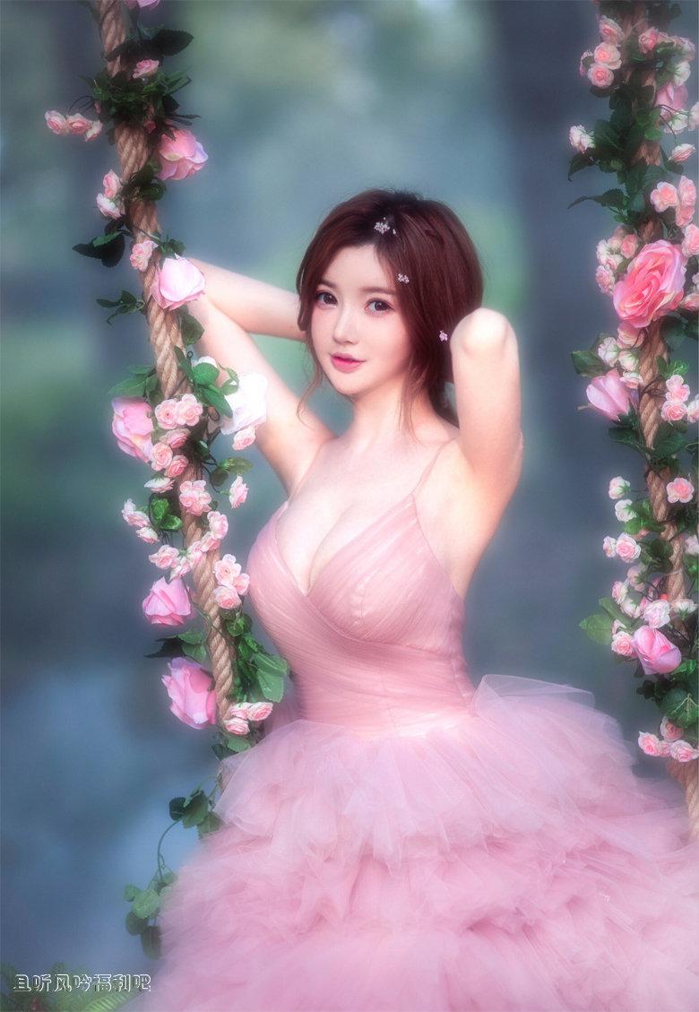 花丛中的美女