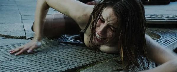 2017年惊悚恐怖电影《酒吧/疯狂酒吧》
