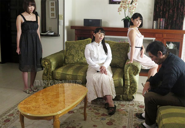 波多野结衣和西野翔两姐妹的幸福生活