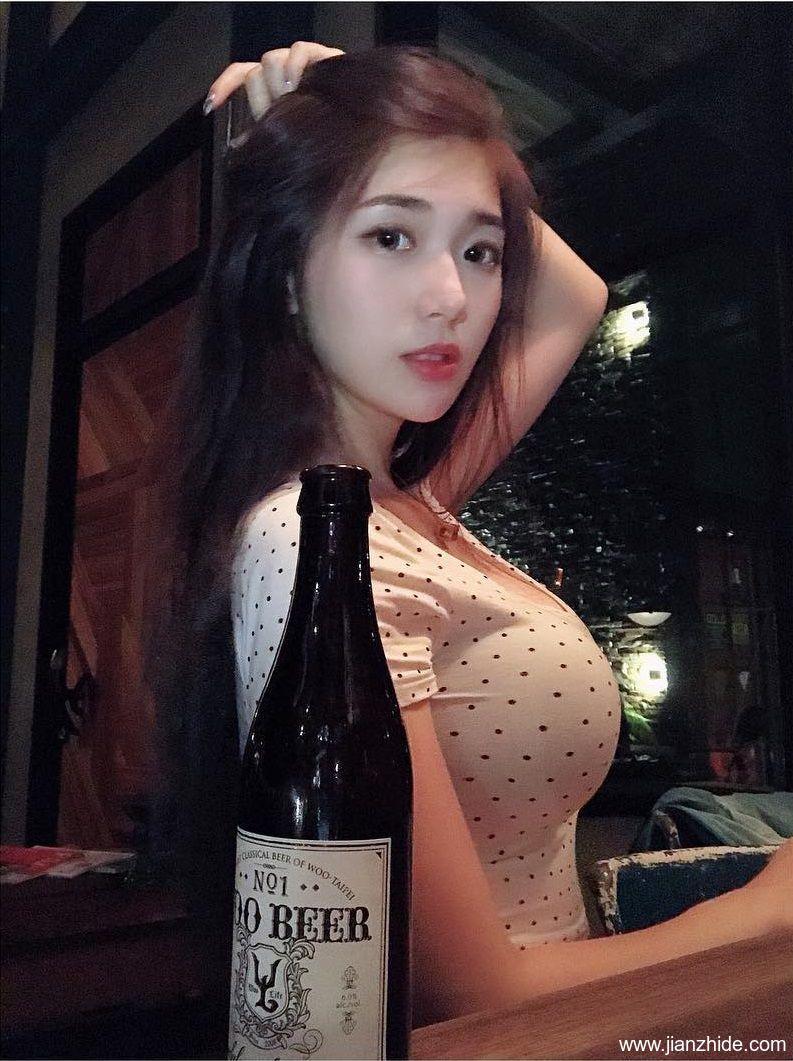 台湾网红辣妈谢薇安,性感身材分明是少女!