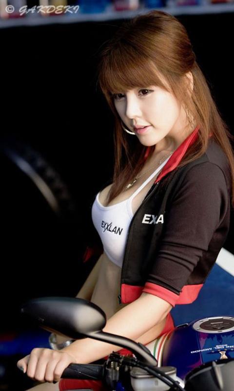 韩国车模李智友手机壁纸