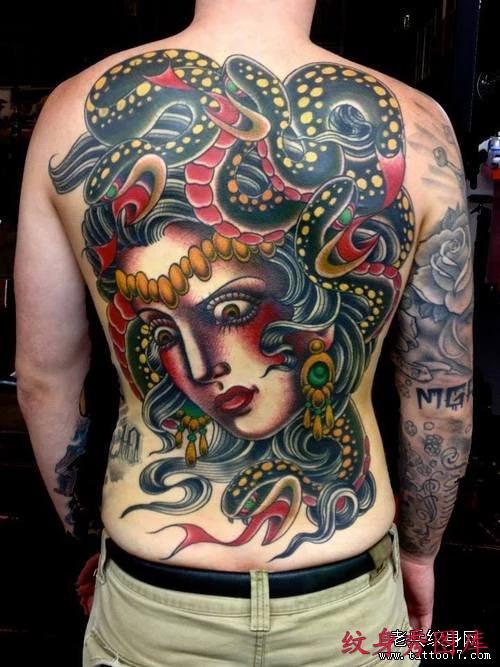 男士个性满背美杜沙纹身图案