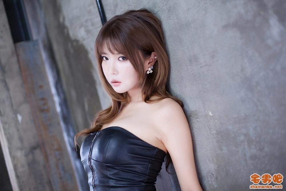 韩国 车模 许允美 美女图片 写真