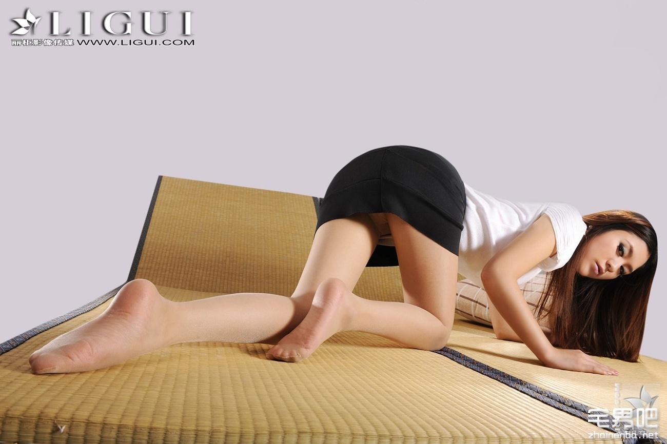 [丽柜套图系列]Ligui Model 英子 丝袜系列 百度网盘打包下载[151P/33.3M]