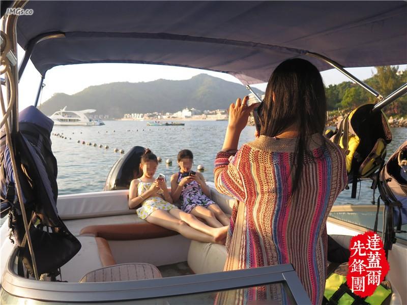 带上三个妹子去海边旅行艳遇之旅,绿巨人李添是谁呢?