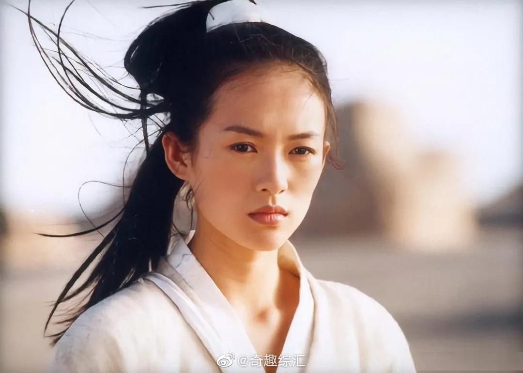 影视资讯2001年,张艺谋想拍个小成本的武侠片...