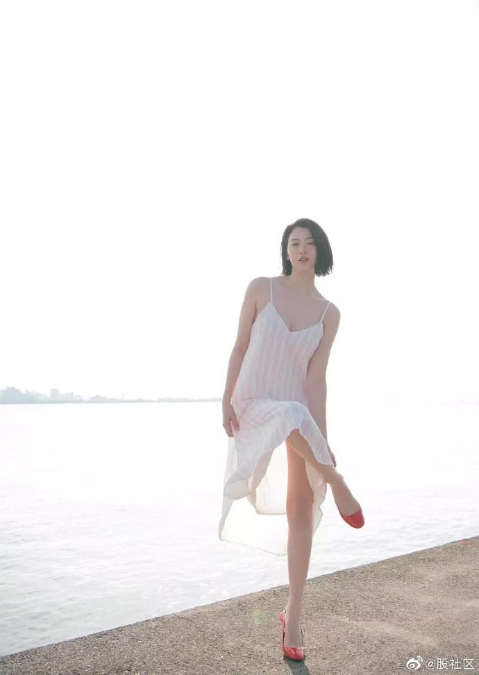 周杰伦MV里的日本妹纸,颜值身材都不错 涨姿势 第1张