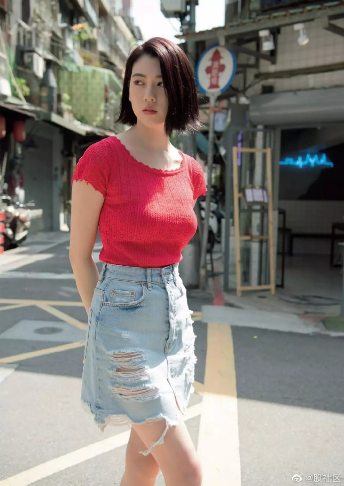 周杰伦MV里的日本妹纸,颜值身材都不错 涨姿势 第2张