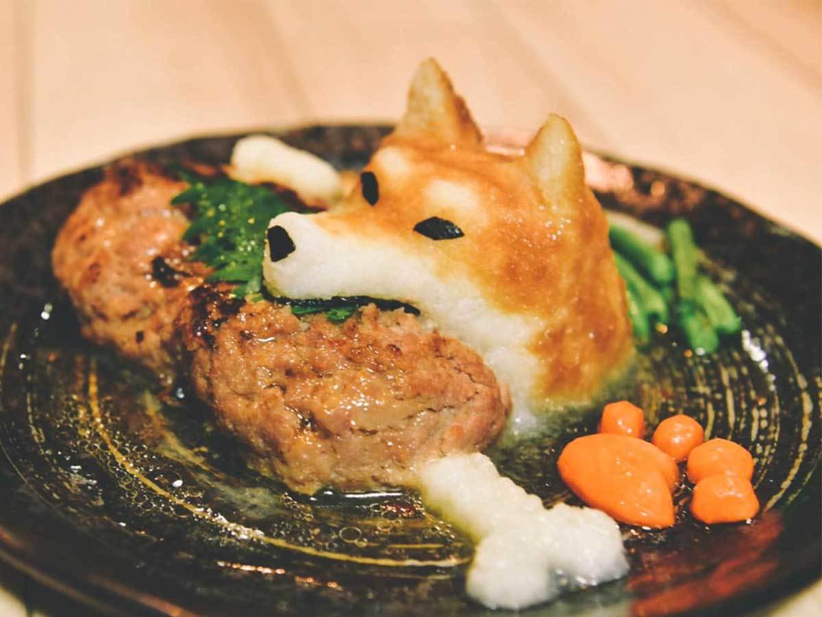 用萝卜泥做的抱着秋刀鱼的猫咪和叼着汉堡肉的柴犬 涨姿势 第2张