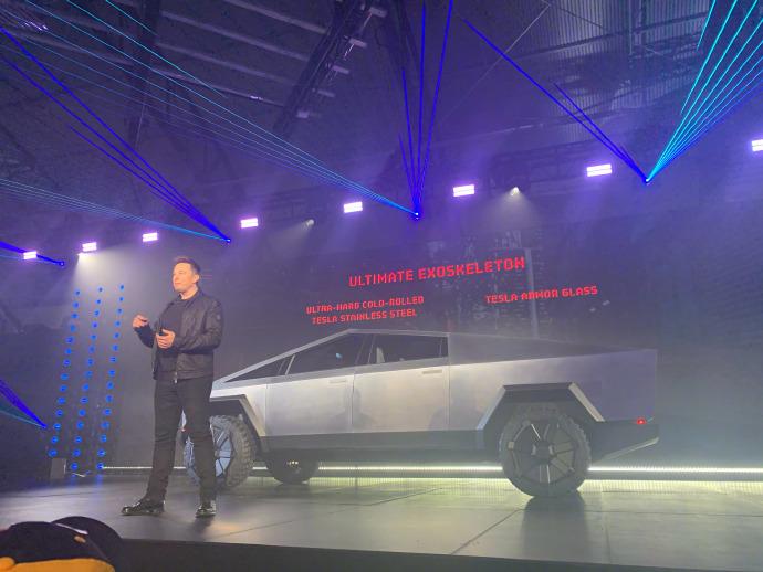 """特斯拉Cybertruck全钢皮卡车,满满""""未来范儿""""的战车 liuliushe.net六六社 第1张"""
