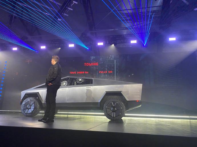 """特斯拉Cybertruck全钢皮卡车,满满""""未来范儿""""的战车 liuliushe.net六六社 第3张"""