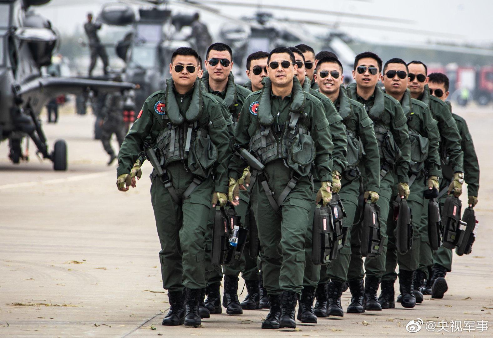 陆军航空兵武装直升机,还有超帅飞行员出镜