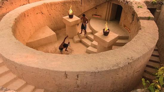 开局一把铲,国外小哥60天打造地下豪华泳池宫殿 涨姿势 第2张