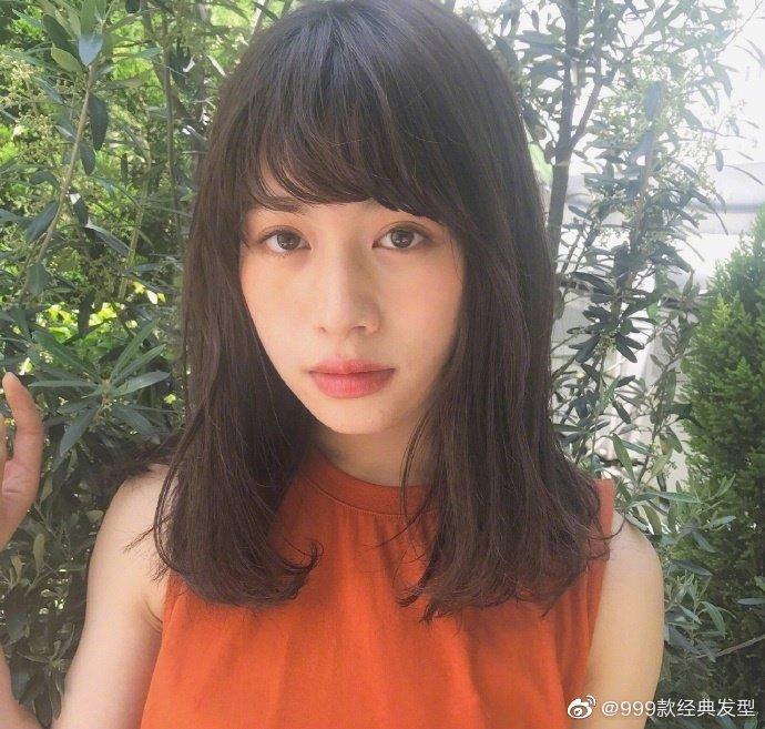日系齐刘海中长发发型!