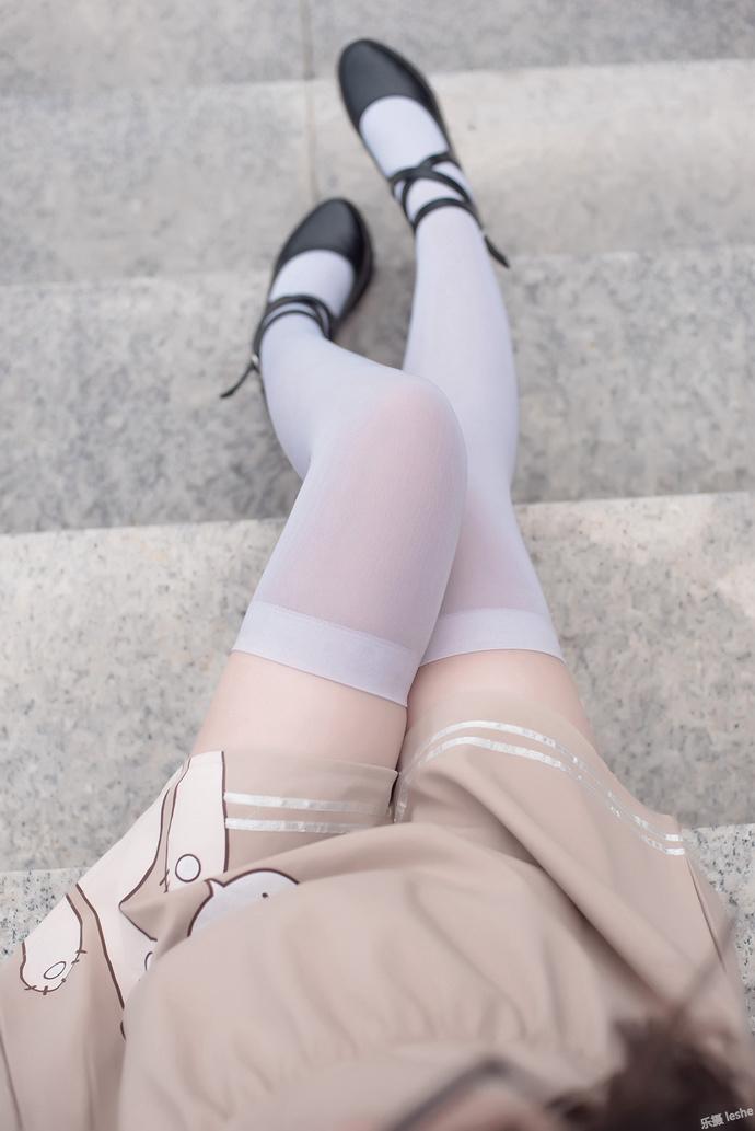 微胖小萝莉的白丝 清纯丝袜