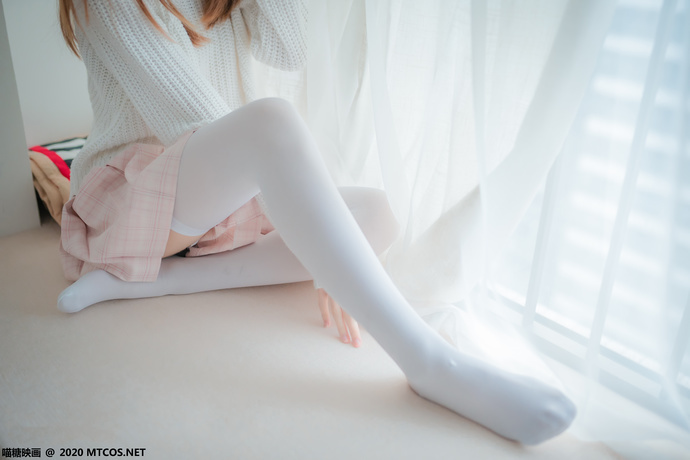 粉格格的白丝眼镜娘 清纯丝袜