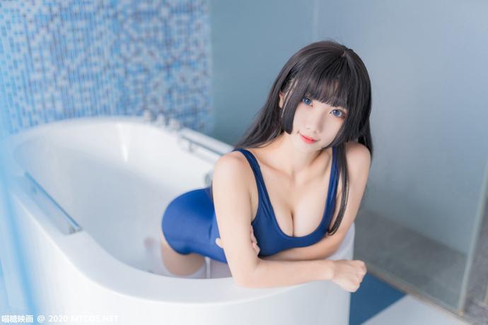 白浴缸死库水少女