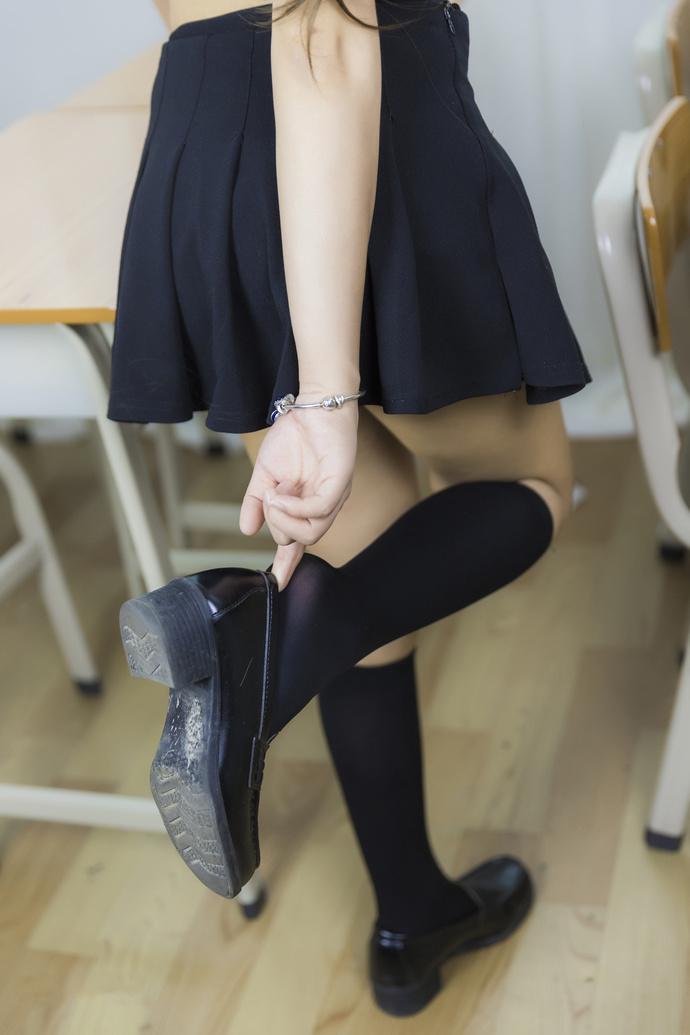 等你下课的黑丝 jk 学姐 清纯丝袜