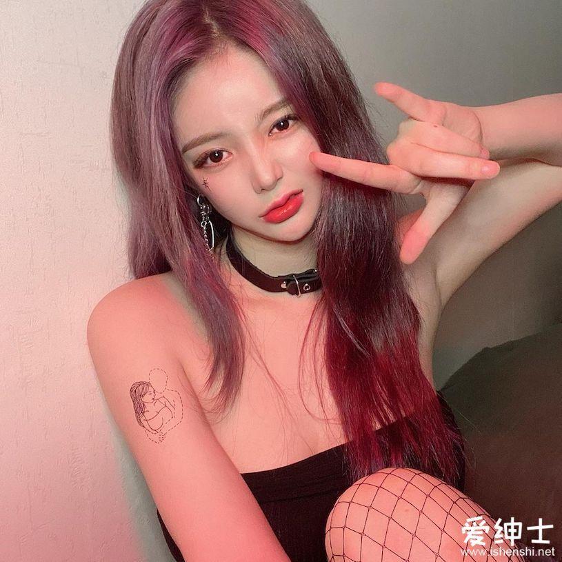 魔鬼身材的「韩国美女DJ NANA」,「黑丝诱惑」还会撒娇娇!