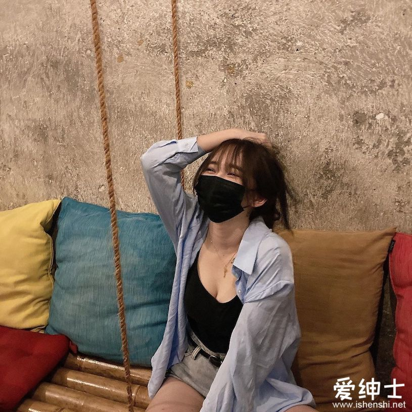 爱了爱了!马来西亚清纯萌妹子「肤白貌美」,「火辣事业线」让人小鹿乱撞!