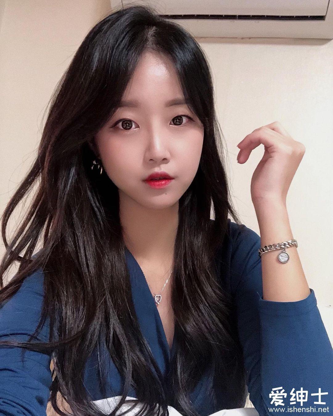 韩国人气美女模特「Rumi」转行当健身网红「结实腹肌+S型曲线」辣到流鼻血