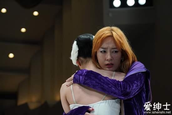 电影《午夜天鹅》跨性别者母性觉醒与受暴少女亲妈杠上了!