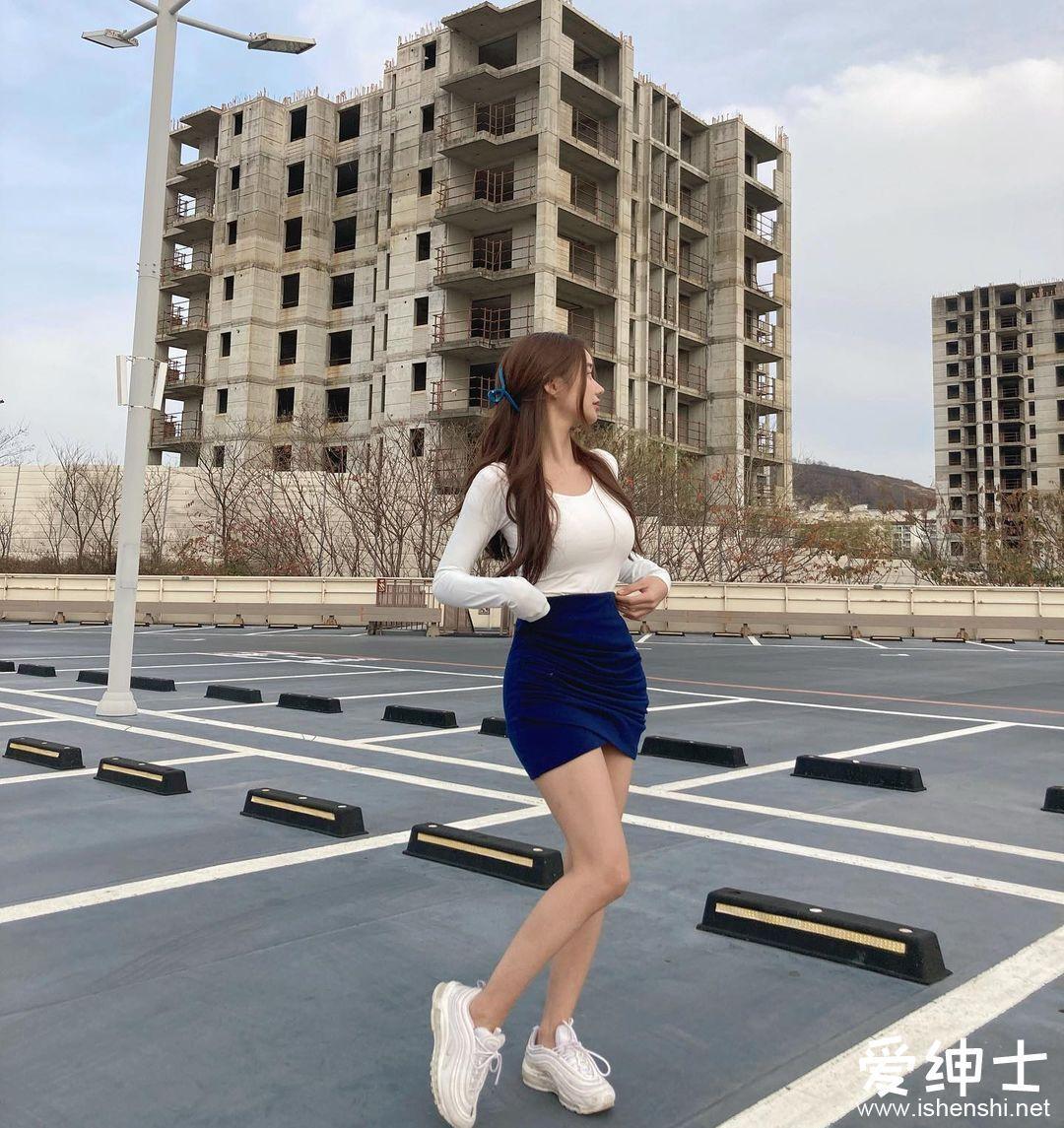 气质韩国「野生火辣美女」甜美外貌让人着迷!丰满身材美若天仙!
