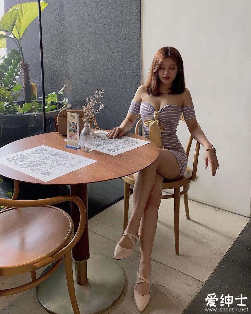 马来西亚百变美女「性感内衣辣照」早安问好!「美乳深沟」唤醒清爽的一天!