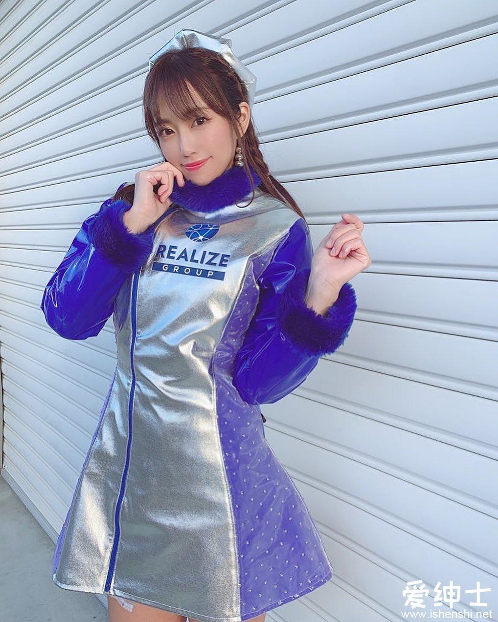 日本赛车皇后「雾岛圣子」赛车场上最亮丽的风景!极品身材进军写真界!