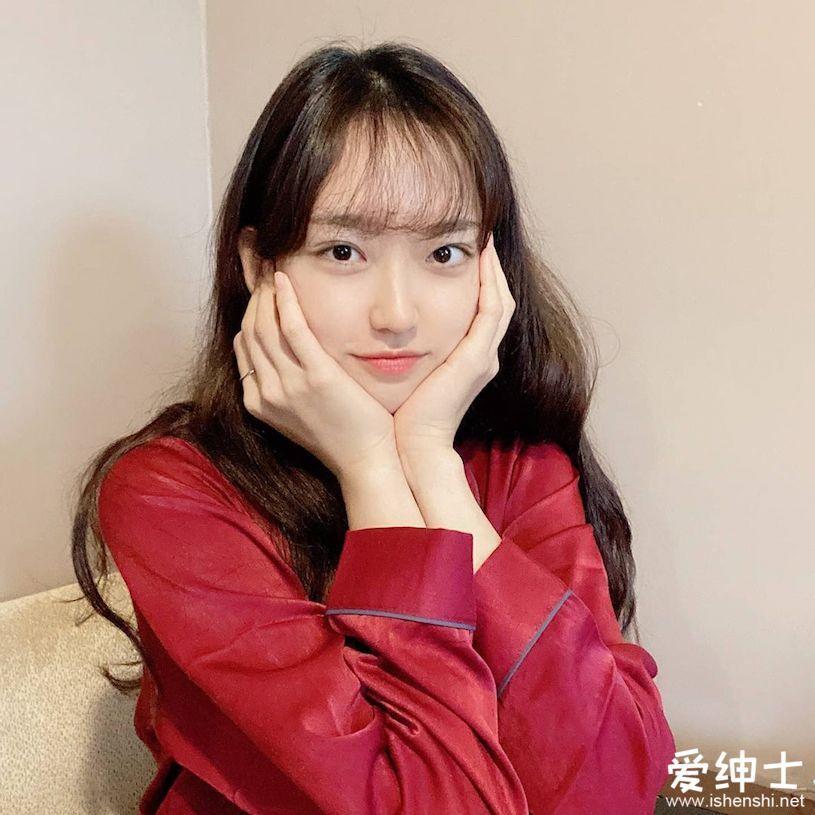 韩国女演员「韩智贤」剧中迷人高中生制服装吸粉无数,「甜蜜微笑」折服众人!