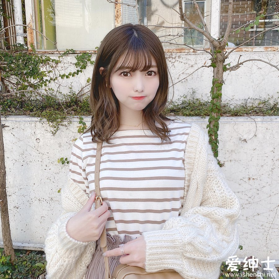 日本女团成员「石川夏海」清纯外表甜蜜微笑深入人心,「大眼小萝莉」魅力超群!