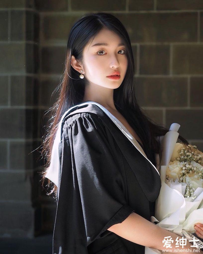 美女留学生模特「火辣身材+精致脸蛋」让人着迷,本人宣称:真人比照片更美!