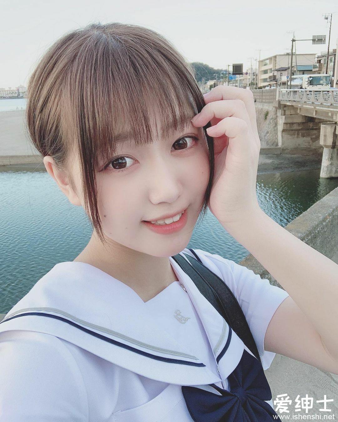 日本美女高中生「KAREN」来自二次元的美少女,散发「空灵优雅气息」如梦如幻!