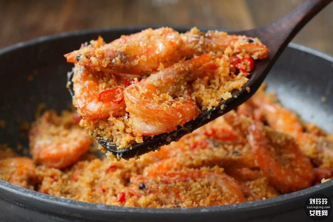 避风塘香酥虾的做法 香到让你连虾壳都吃完!10