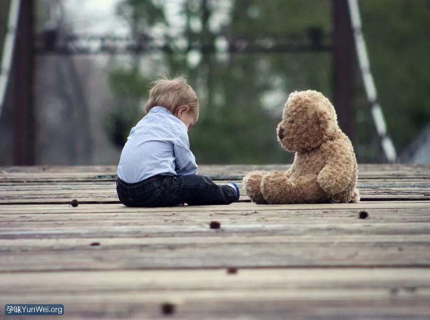 孩子小时候难带 长大后可能很有出息!3
