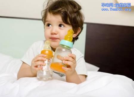 水宝宝养成记:宝宝喝水的量、时间、温度,你都知道吗?