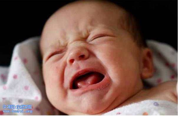 千万别在孩子哭5分钟时去安慰!
